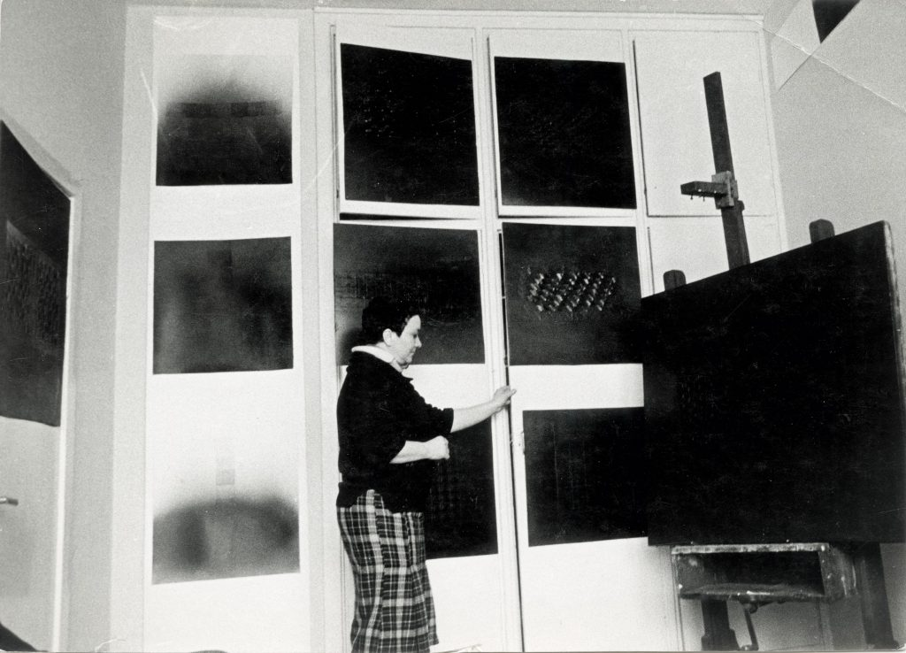 Kazimiera Zimblytė in Artists' Association residence in Palanga, 1978. Photography: Vladas Vildžiūnas